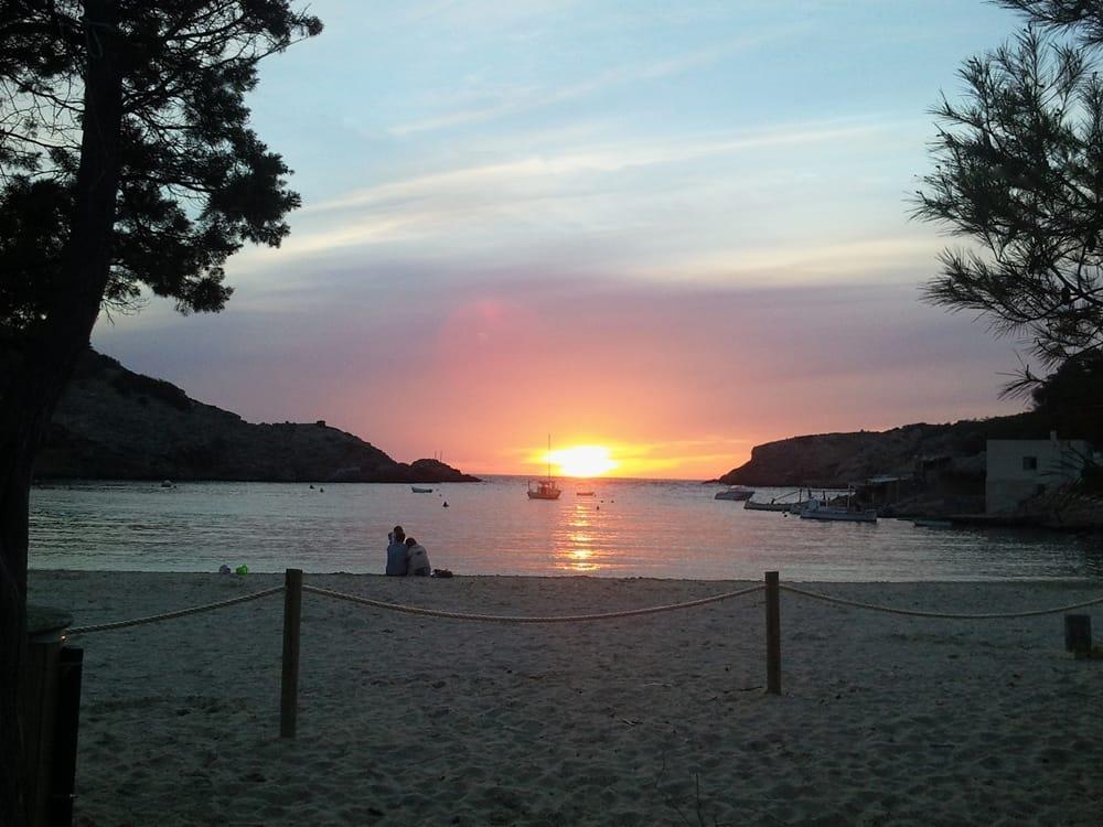 Puesta de sol en Cala Vadella (Foto Carlos Budia)